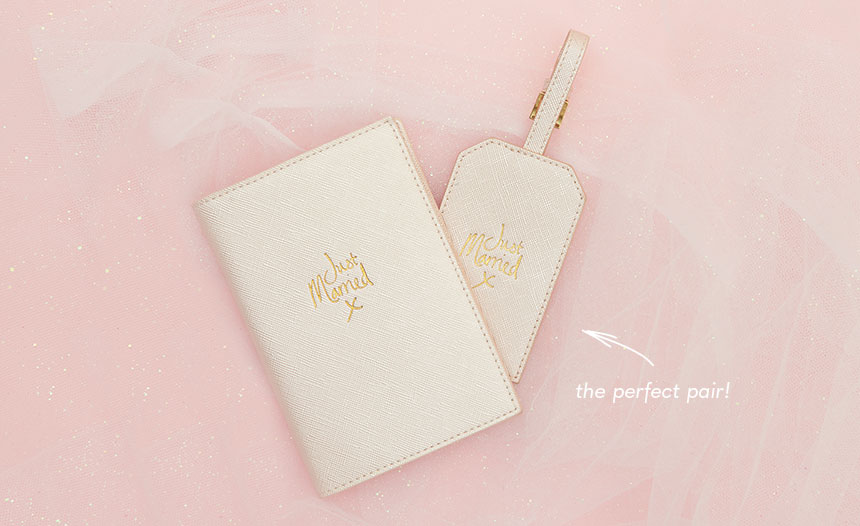 Just Married passport holder and matching luggage tag. The perfect pair!